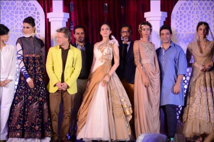 Models with Rohit Bal, Rina Dhaka, Shantanu and Nikhil, Suneet Varma