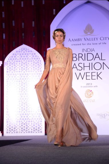 Model showcasing Suneet Varma's collection